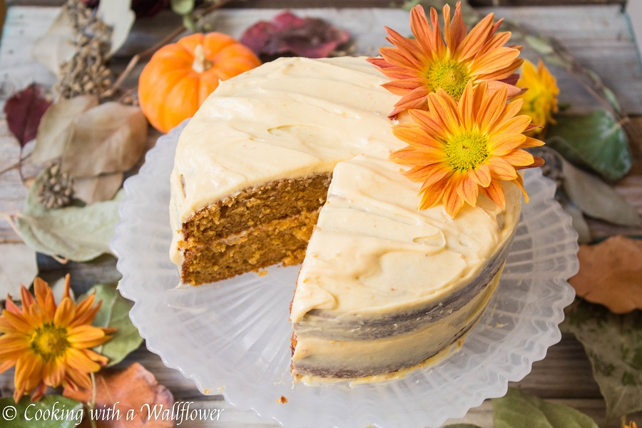 Mini Spiced Pumpkin Cake with Cream Cheese Frosting | Cooking with a Wallflower