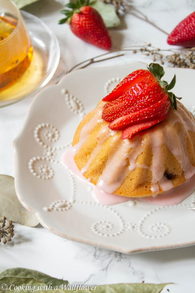 Mini Strawberry Mochi Bundt Cakes  | Cooking with a Wallflower