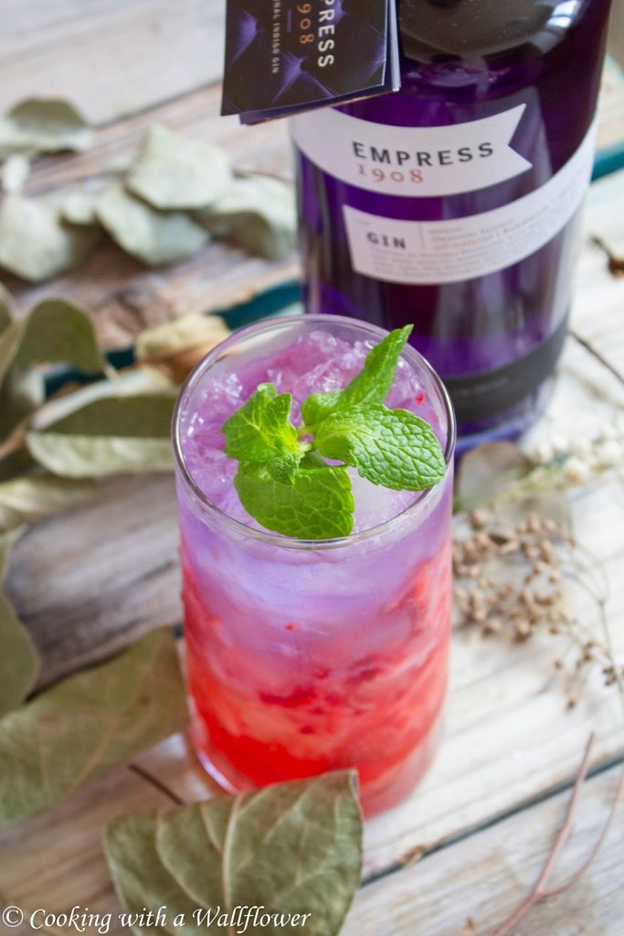 Strawberry Gin Sparkling Lemonade | Cooking with a Wallflower